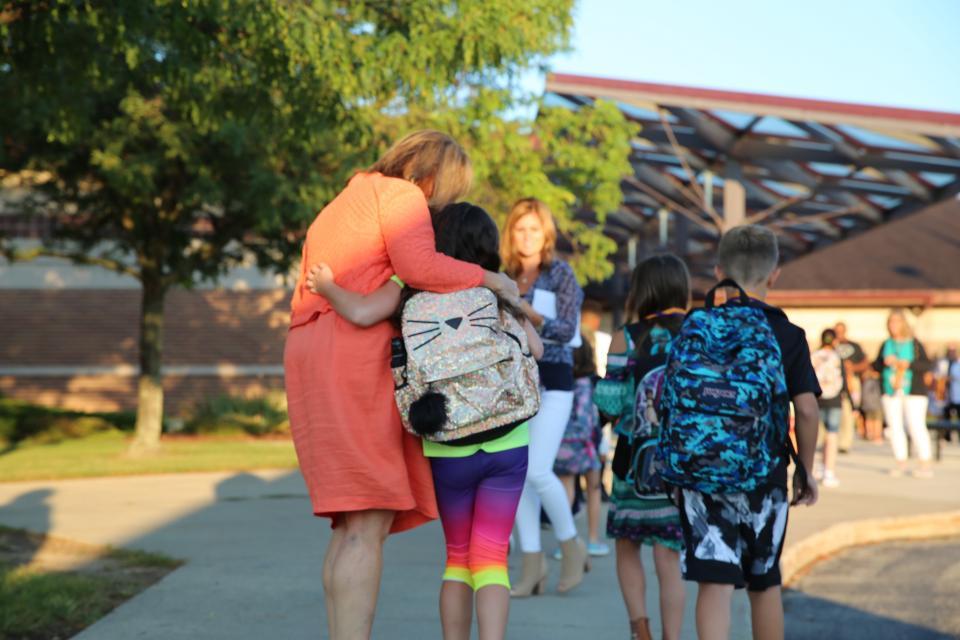 Horizon Elementary School Principal Tressa Decker welcomes students back on the 1st Day of School
